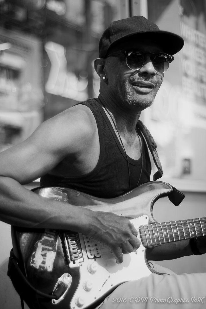street-musician-midtown-nyc
